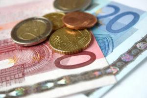 Auf bussgeld.org finden Sie alle Bußgelder für PKW-Fahrer sortiert nach den verschiedenen Bußgeldkatalogen