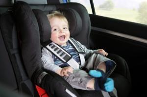 Kindersitz für die Verkehrssicherheit von Kindern