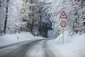 Straßenbenutzung bei Schnee erfordert erhöhte Vorsicht