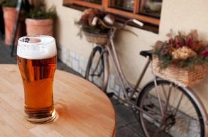 Alkohol auf dem Fahrrad ist bei über 1,6 Promille eine Straftat.