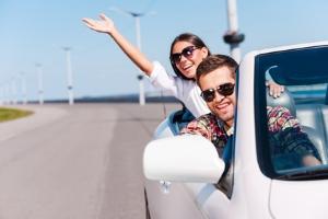 Auto mieten: Für Reisen im Ausland buchen Sie den Mietwagen am besten online.