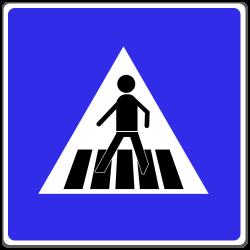 Der Fußgängerüberweg wird durch dieses Verkehrsschild gekennzeichnet.