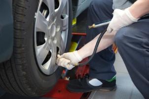 Reifen: Der Lastindex wird auch durch den Reifendruck beeinflusst.