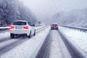 Das Auto winterfest zu machen, ist besonders wichtig, um sicher durch die kalte Jahreszeit zu kommen.