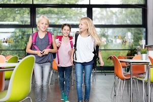 Ein Bußgeld für Schulverweigerer droht nicht, wenn ein Ruhelassen der Schulpflicht erwirkt wurde.
