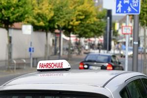 Aufbauseminar für den Führerschein (ASF): Das Seminar kann bei einer lizenzierten Fahrschule besucht werden.