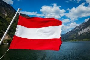 Wer trotz Führerscheinentzug in Österreich fährt, muss mit einem hohen Bußgeld rechnen.