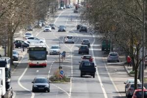 Der Mindestabstand trägt zur Verkehrssicherheit bei und reduziert das Unfallrisiko.