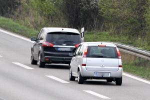 Eine Abstandsunterschreitung kann sich erheblich auf die Verkehrssicherheit auswirken.